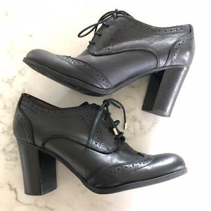 Tommy Hilfiger Fabiole Oxford Heels Black | Size 9